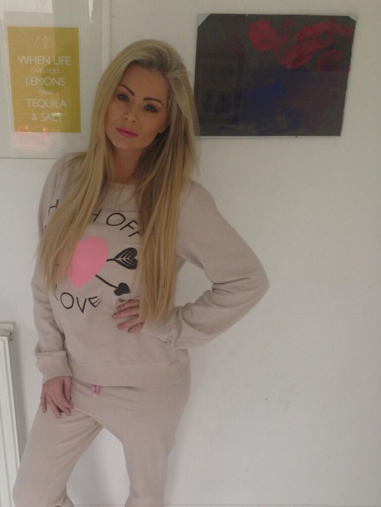 Love love love my @deliciouscoutur track suit check them out here http://t.co/uV0FsLYgfQ @NicolaT111 http://t.co/rMpbu5l2cu