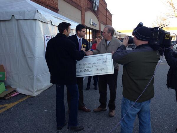 Awesome! Kroger just presented a check for $11,000 for #HeartOfCarolina w/ @joemazurabc11 & Peter of @FoodBankCENC! http://t.co/Ix1BzrKvRt