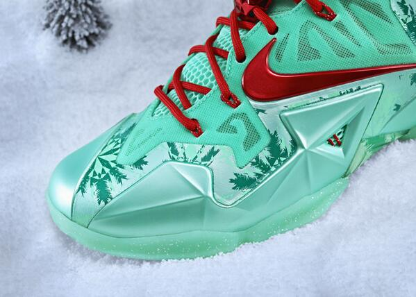lebron palm tree. \u201c@heidiburgett: christmas colorway of the lebron 11 combines snowflakes w/ palm trees for a unique print pic.twitter.com/jdzefo7erz\u201d lebron tree k