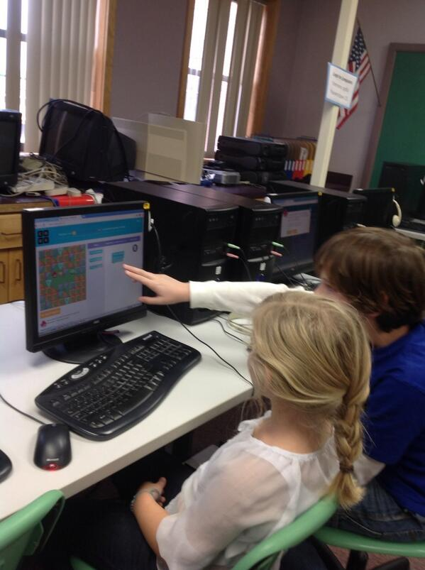 Kids teaching coding to each other @hourofcode @grandisleschool #hourofcode #vted_technology #hourofcode http://t.co/75rQ0QpLQa