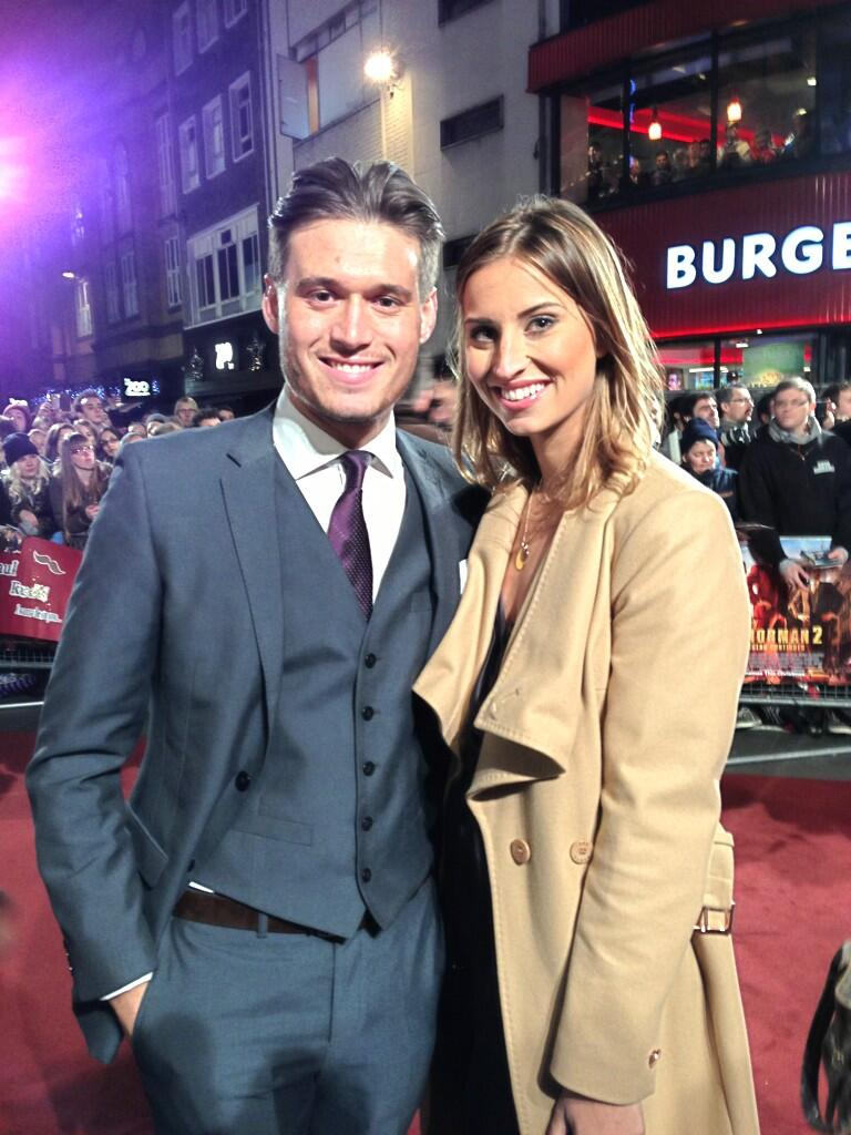 RT @OK_Magazine: We've just been joined by this hot #TOWIE couple @fernemccann & @charlessims_ #anchorman2 http://t.co/YFJ2DaiSwe