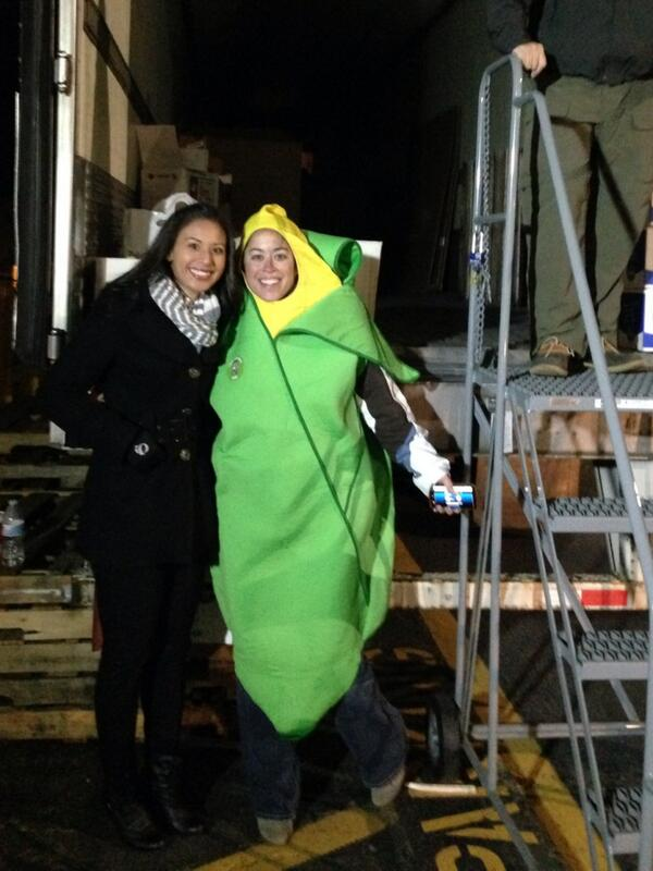 Down to the last hour! @JenDanielsABC11 and the corn keeping #HeartOfCarolina food drive going strong in #Durham http://t.co/q24gbe5coE
