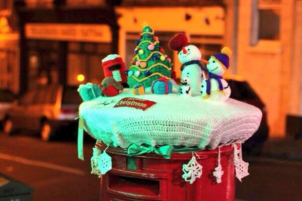 Christmas Yarn Bombing.Your Southend On Twitter A Local Craft Club Has Decorated