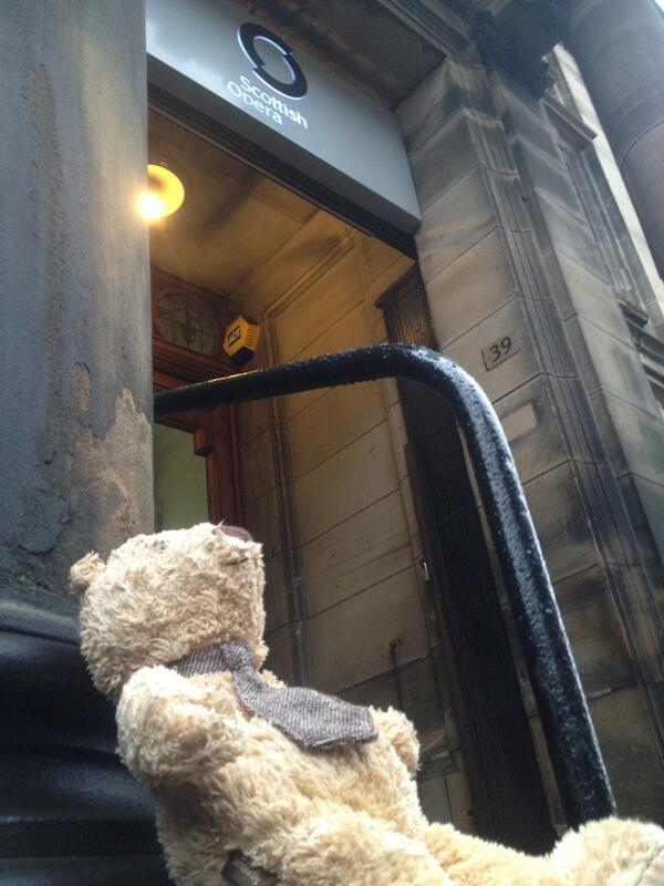 1 lost Bear outside of our office. Anyone care to claim him and get him home in time for Christmas? #LostBear #Sad http://t.co/eOwkh81jPq