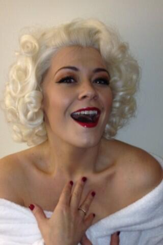 I LOVE Marilyn! #icon Time now to get back to being Cinders! http://t.co/BBznjjVIlr