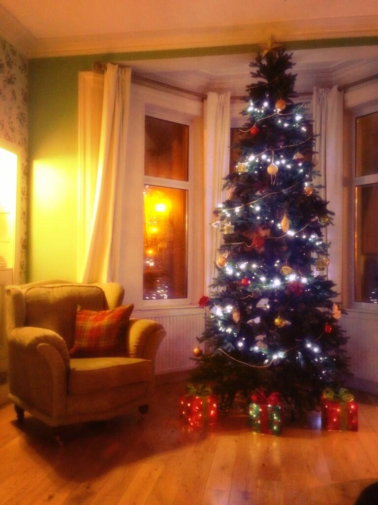 RT @Annie__McGuire: @KirstieMAllsopp I am delighted that after much nagging my tree is finally up! http://t.co/72Z924LBWs