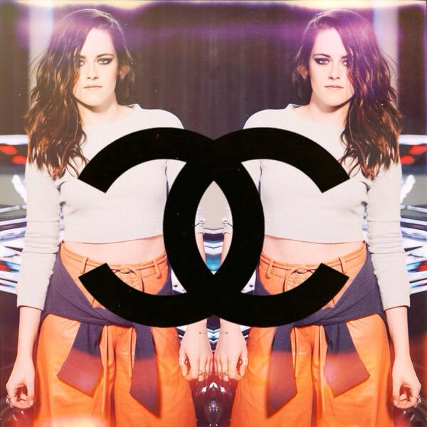 #KristenStewart at the @CHANEL #DALLAS #2014 FASHION SHOW #chaneldallas http://t.co/Iz0NgmYYRe http://t.co/YxFu6AQuA4