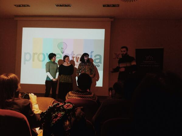 Aquí nos presentan @PROYECTERIA con @SrVillaRomero #kedarteRedes2013 @latamuda http://t.co/raeEvckiJE
