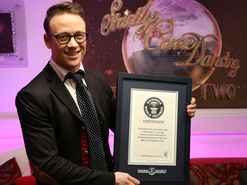 Here he is. With 77 drunken sailors #prochallenge 2013 champion and new World Record holder @keviclifton #ittakestwo http://t.co/eUNWjzm5wG