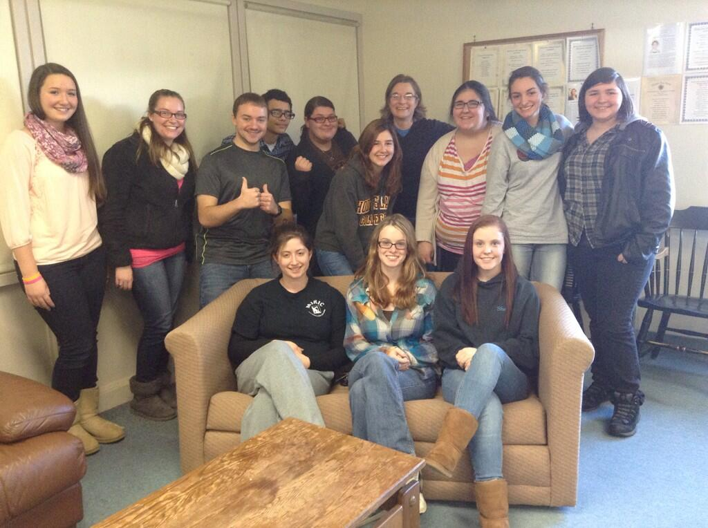 This is what happy writers look like on the last day of class! #fyw #voice #RIC #greatclass http://t.co/8uDRHNCBpQ