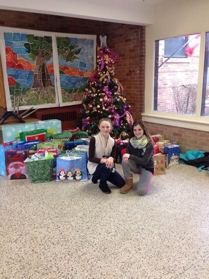 """@mountsfieldps: Our elves help deliver gifts from our angel tree! http://t.co/n4TNNz1UHO""#tvdsbcelebrates"