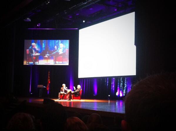 #plasalut13 Antoni Mateu introdueix el primer punt de les Polítiques de Salut @salutcat http://t.co/5MoB9epXT3