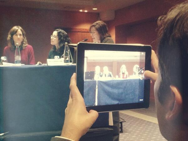 RT @pelegrin71:taula de salut comunitària. Núria Sala presenta projecte #ASACO @icscatcentral #plasalut13 http://t.co/SBNoAFjejx