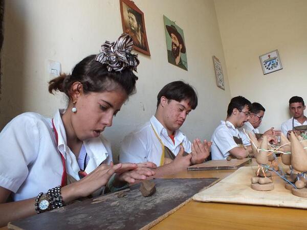 Garantizan en Camaguey enseñanza especial gratuita de alto valor humano