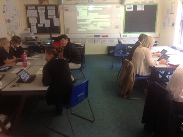 Using iPads in staff CPD sessions #myipad http://t.co/vJus2nVbhi