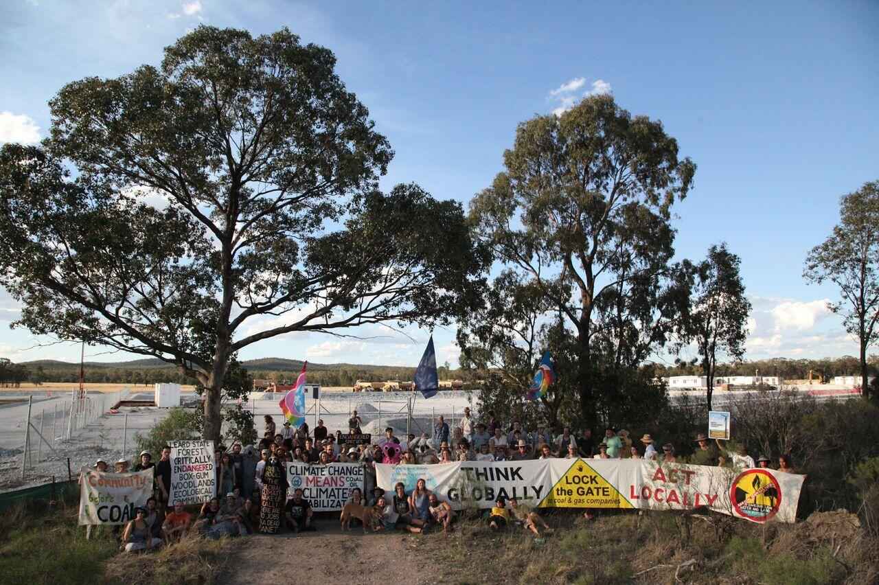 Twitter / GreenpeaceAustP: ACTION: Over 100 protestors ...
