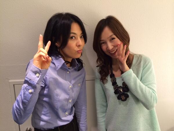 森口博子さんと一緒に写真に写るお澄まし顔の井森美幸