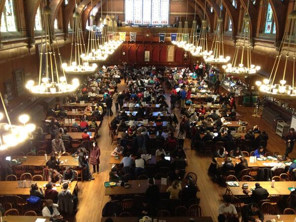 Students have filled Annenberg Hall after being evacuated this morning due to bomb threats. More @thecrimson http://t.co/sC1WiU3hnJ