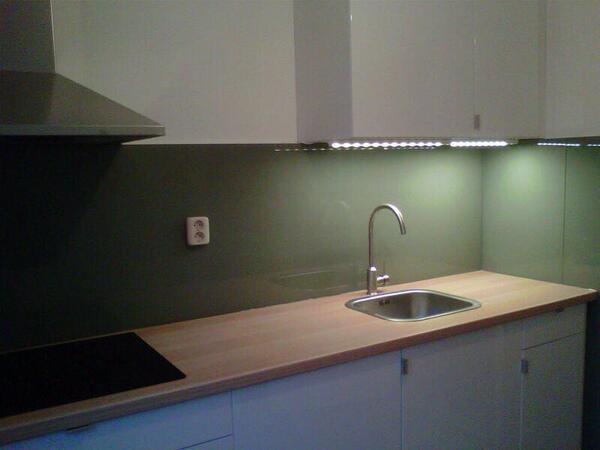 Achterwand Keuken Ikea : ikea #keuken icm glas achterwand @bamwonen http://t.co/UM4m23CAgr
