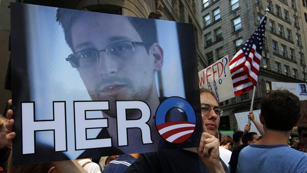 Edward #Snowden voted euronews Person of the Year http://t.co/3GFVlb1W68 #NSA #POTY http://t.co/vCGT3tT0am