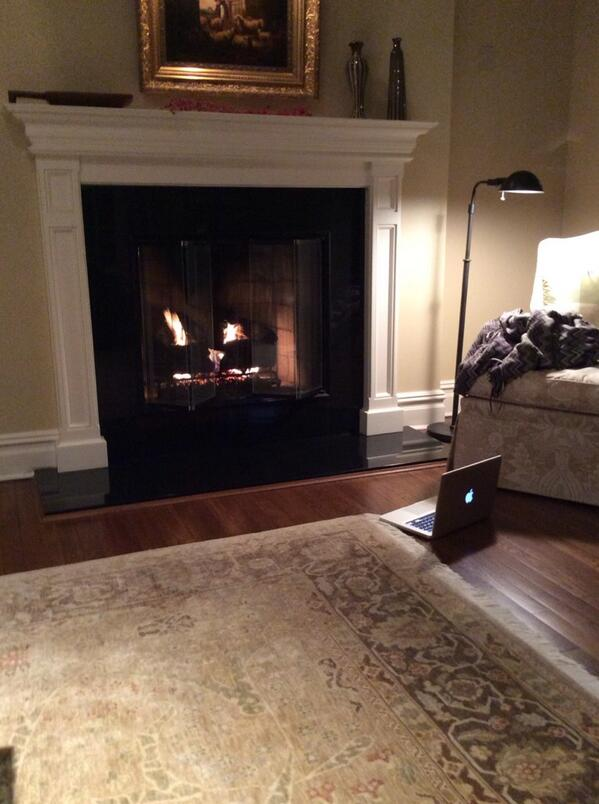 @ericalove_424 created a virtual fireplace for @mattdemichiel via #facetime http://t.co/FrORtJgWlG