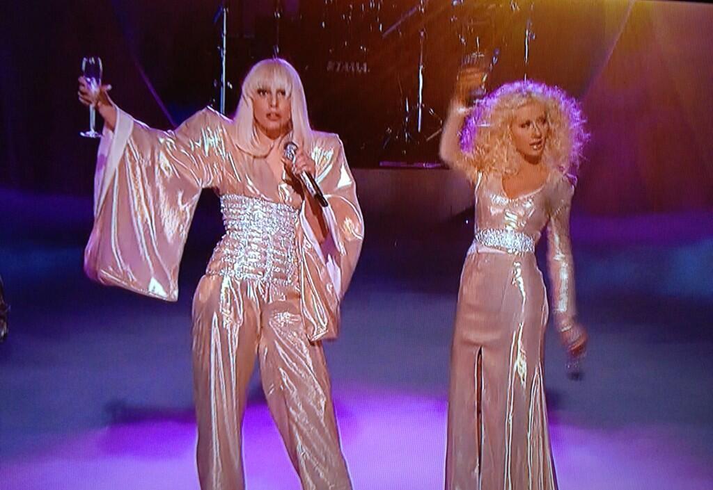 Hoy en The Voice: Xtina y Lady Gaga juntas en el mismo escenario - Página 3 BbvU-BXIcAA-Rhe