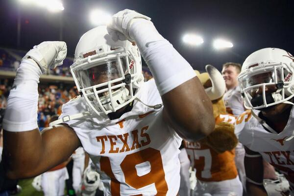 The Texas Longhorns are college football's most valuable team http://onforb.es/18Rff0kpic.twitter.com/ZYyvkb4jSl