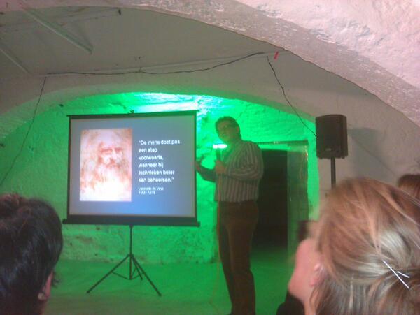 I love @contentcafe @InDeRuimte nu zelfs met Leonardo da Vinci die het redactieproces overziet http://t.co/mmYKTlpMd7