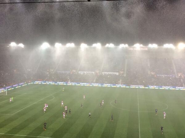 Our view on @bbc5live of the conditions that've forced the players off at Stoke #bbcfootball http://t.co/l4OiPyJIlm