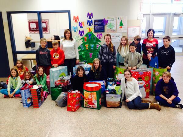 ESPS staff, students, families raise $4000 and support 25 angels #esps #tvdsbcelebrates http://t.co/mZnhtPI57H