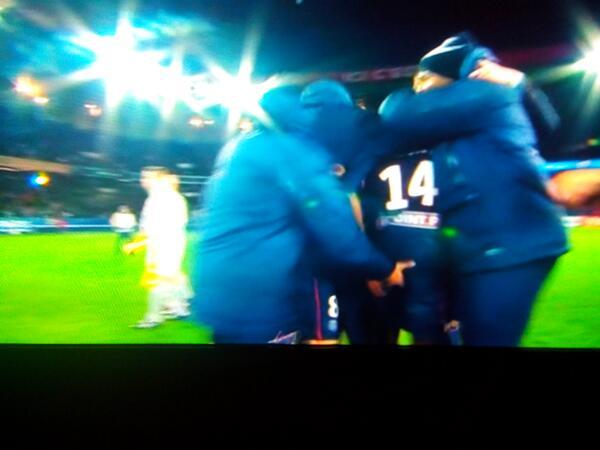[Coupe de la Ligue] Finale : PSG - Lyon {2-1} - Page 2 BbzSHe1IUAAcaQo