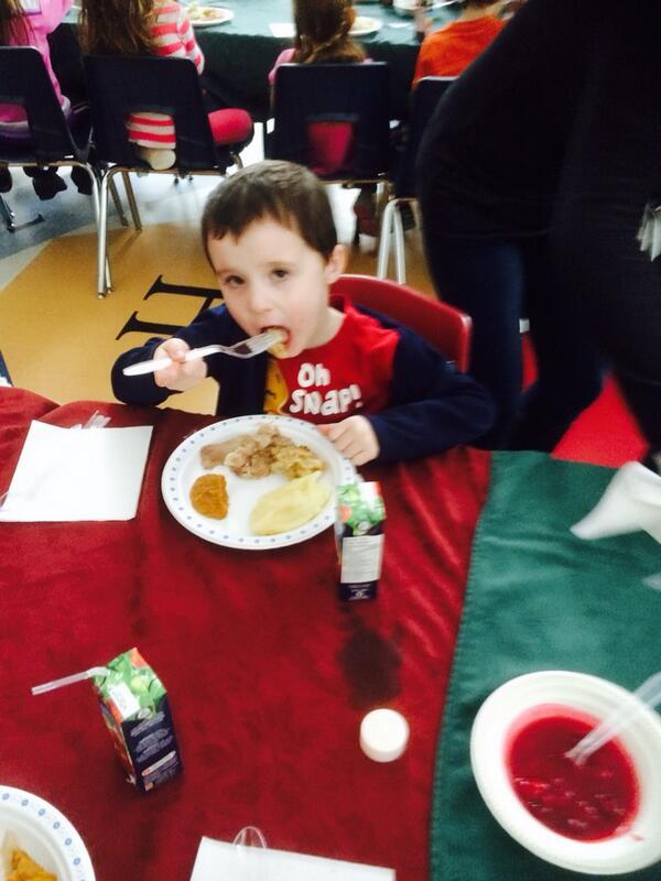 FDK Christmas Dinner. #tvdsbcelebrates http://t.co/j3uDveTybH