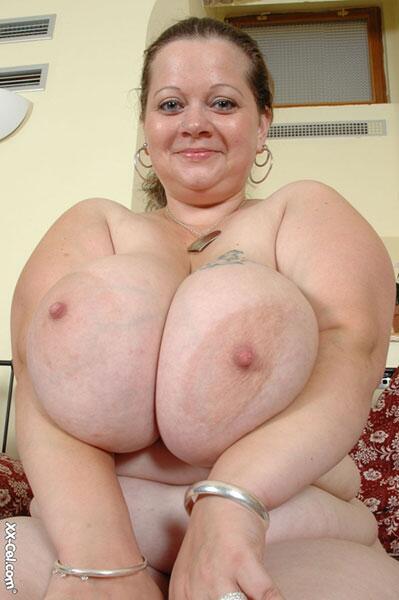 Xx cel big boobs