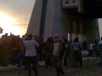 الثورة_العراقية Bc0jxSPIgAAFkQY