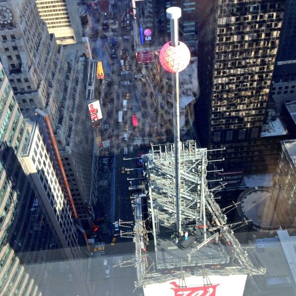 The @timessquareball preparing for New Year's Eve 2014! #NewYearsEve #TimesSquare http://t.co/GYTfGIdjaG