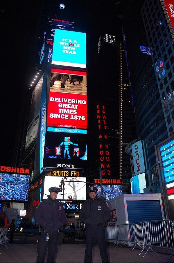 nypd news on twitter happy new year from times square httptcotkvrsotzse