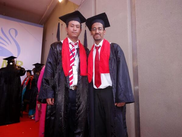 One of the most remembering moment for me in 2013 was this!!!!#MyConvocation pic.twitter.com/tLnN6cn6tb