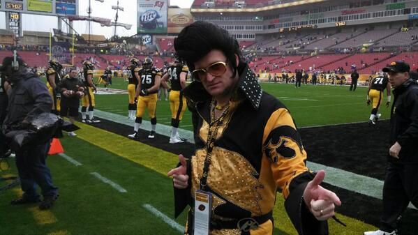 """Such a hottie! """"@HawkeyeElvis: @VisitTampaBay @OutbackBowl Thanks for the passes! http://t.co/MMWWSB3dG0"""""""