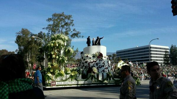 "Overhead at #RoseParade as just married gay couple kissed atop AIDS Foundation float: ""ugh, there it is."" http://t.co/i4Y8MLutWP"