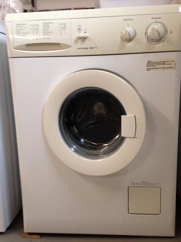dominik2706 on twitter waschmaschine zu verschenken schon was lter aber voll. Black Bedroom Furniture Sets. Home Design Ideas
