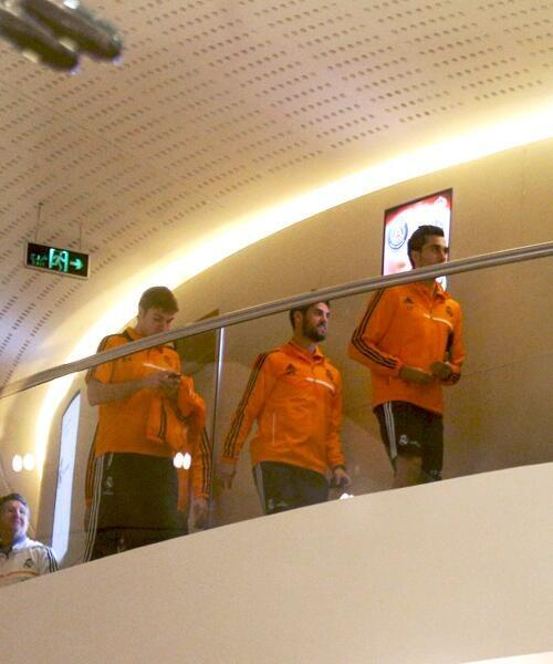 Real Madrid News Now, Photos of players of Real Madrid in the hotel torch
