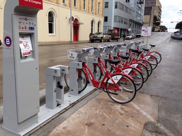 Bikes http://t.co/3vFgCvIrSa