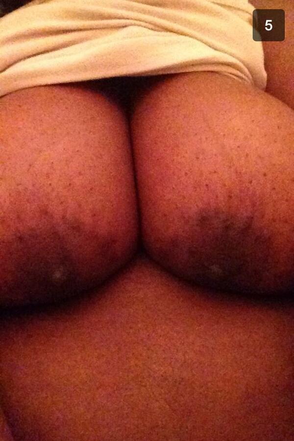 black girl sending nude pics