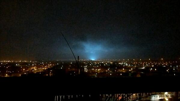 Exploding transformer last night in Toronto, Ontario during ice storm. Via @CosticaSkittles. #onstorm http://t.co/HC9bY15kft