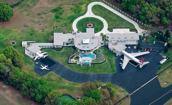 Twitter / DreamHouseX: RT for John Travolta's beautiful ...