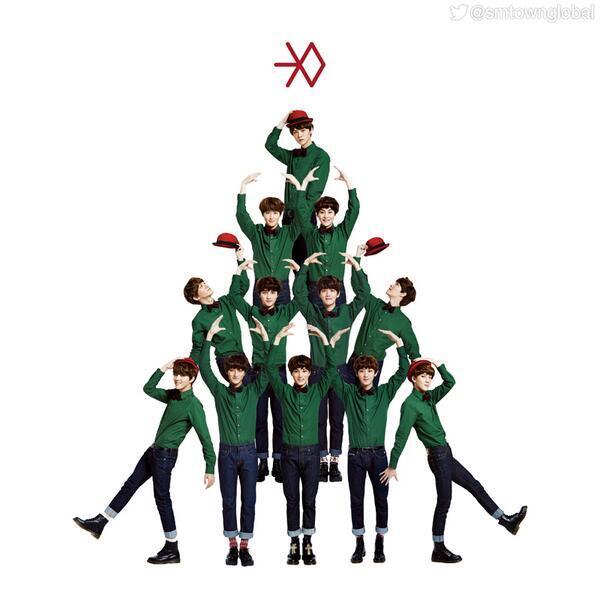@zouisew foto exo sekaligus foto album bru exo judul miracle in desember n sekarang exo lgi sibuk syuting video klip http://t.co/46VLWQflGw