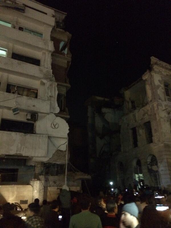 انفجار ضخم و انهيار جزء من مديرية امن المنصورة و مباني مجاورة #المنصورة http://t.co/UHmwTY92eW