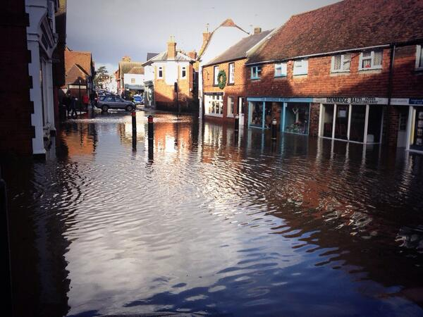 #edenbridge #UKStorm http://t.co/Hyk1rlygJi