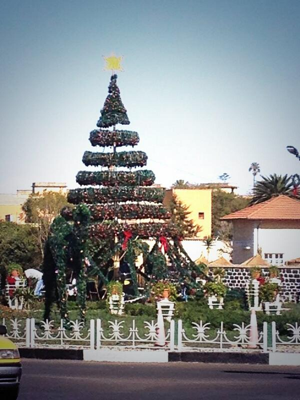 Heniy 174 Ge On Twitter Quot Asmara Shida Square Christmas Tree