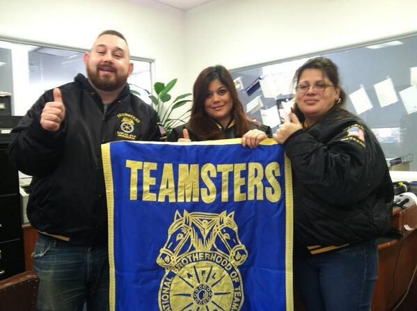 "Teamsters 814 & 805 say ""C'mon @amysbread share the dough w/ the ones who make our bread!"" #‎WhoMakesAmysBread http://t.co/OurdFtNn1Q"